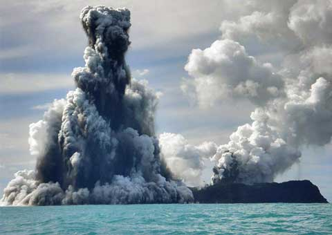 tonga_volcano_boston_big_picture.jpg