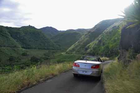 west_maui_road.jpg
