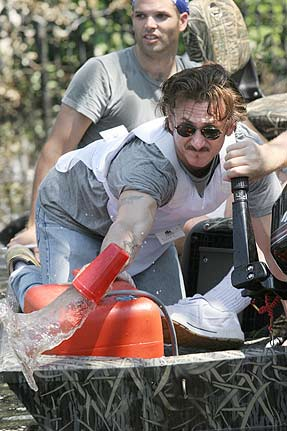 sean penn helps hatiti