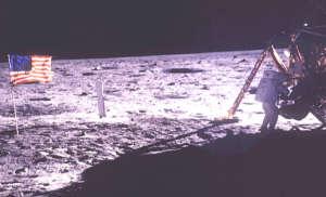 a11_lunarpanorama.jpg