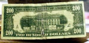 fake-200-banknote.jpg