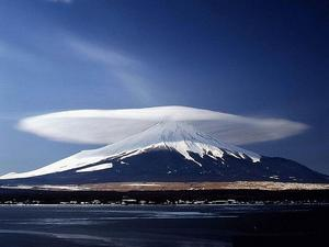 flickr-lenticular-cloud.jpg