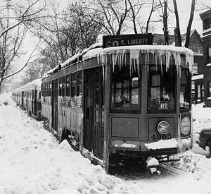 pittsburgh_pa_trolley_blizzard_25Nov1950.jpg