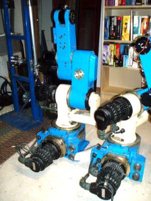 robot-arms.jpg