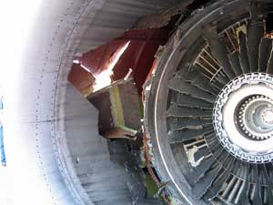 southwest_airlines_engine_failure_02.jpg