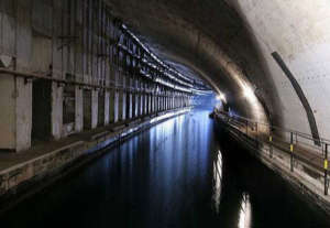 underground_submarine_base_21.jpg